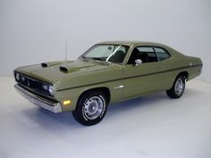 1970 Plymouth Duster 340 - One of 200 air conditioned Dusters produced in to you by at in Eugene, Oregon Dodge Duster, Plymouth Duster, Old Muscle Cars, American Muscle Cars, Plymouth Muscle Cars, Car Man Cave, Power Cars, Pony Car, Mopar