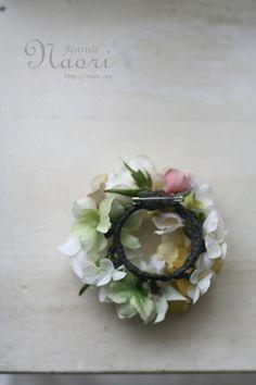 紫陽花とローズのリースコサージュ