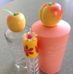 Avon Pretty Peach I owned the clear bottle so cute Vintage Makeup, Vintage Avon, 1980s Childhood, Childhood Memories, Bottles And Jars, Perfume Bottles, Avon Perfume, Kids Makeup, Best Fruits