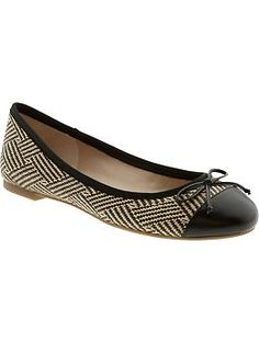 Alana bow ballet flat   Banana Republic Always a sucker for a ballet flat.  This raffia version is perfect for summer!