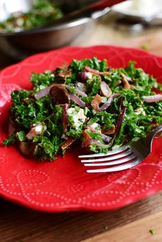 Killer Kale Salad from The Pioneer Woman - bacon, sauteed mushrooms & onions, goat cheese & an easy dressing