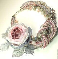 Купить Дымно - Розовый Сад. Колье и брошь - заколка - комбинированный, серо-розовый, розовый, серый