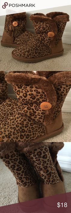 Leopard Cheetah Animal Print Brown Booties 7 New without tags! (I removed from Package for photos) the fur on these is so soft!! Size 7 Leopard Animal Print Brown Booties Shoes Ankle Boots & Booties