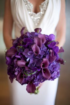 purple calla lilies + hydrangeas  photos by kristina lee photography  http://kristinaleephotography.com