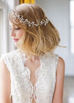Brides: 10 Wedding Hair Accessories for Summer