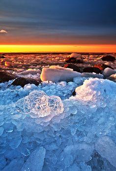 jamasrendirse:    Ice crystal (por Andrei Reinol)