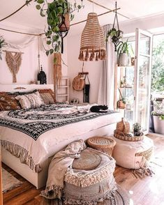 All art this is certainly black bed room decor, luxury black and White Bedroom cozy Glamour Master Suite decor Bohemian Bedroom Decor, Boho Room, Bohemian Bedding, Cute Room Decor, Aesthetic Room Decor, Home Bedroom, Bedroom Ideas, Modern Bedroom, Bedroom Designs