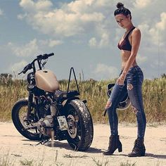 Ag someone who'd ride that? Checkout @bobberlifestyle - Bobbers & Babes killer shot. #bobberlifestyle #bobber #harleydavidson #bobbers_n_babes #bobber #barhopper #biker ##harleydavidson #harley #sportster #dyna #chopper #lanesplitter #bikerlife #bikelife #customharley #harleychoppers _________________________ Owner: @seanocean babe: @j_dmlo - #regrann