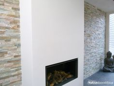 stylish wall design with a fireplace. Interior Walls, Wall Design, Sweet Home, New Homes, Home And Garden, Living Room, Modern, House, Fireplace Design