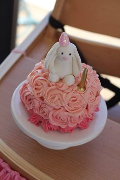 Mini bunny smash cake