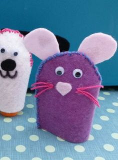 On rainy days it feels so much harder to entertain the children and stop them from getting bored and restless. Make finger puppets, a great sewing activity for children.