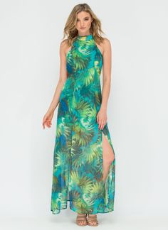 There's no denying it -- this lush maxi is the palm dot com! #tropical #maxidress #summer #vacation #vacay #leaves #exotic