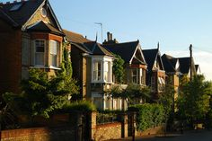 Richmond (London, England, UK) upon the Thames Richmond England, Richmond Surrey, Richmond London, England Uk, London England, London Architecture, Architecture Design, Waterloo Sunset, London Boroughs