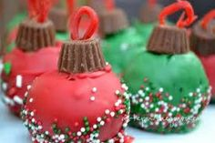 Dessert Christmas Ornament Dessert Christmas Recipe Made me think of my sister in law. She makes amazing cake balls! This would be funOrnament Dessert Christmas Recipe Made me think of my sister in law. She makes amazing cake balls! This would be fun Christmas Sweets, Noel Christmas, Christmas Goodies, Holiday Baking, Christmas Candy, Christmas Desserts, Holiday Treats, Christmas Baking, Holiday Recipes