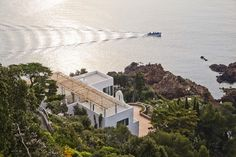 Upgrading Modern Architectural Heritage on the French Riviera: Villa Le Trident