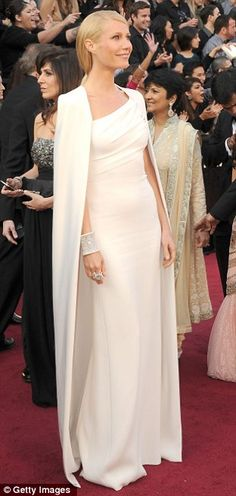 My favourite red carpet outfit from the 2012 Oscars. DITTO!