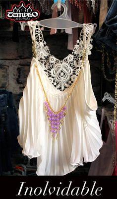 Obtén un look donde no pasaras desapercibida. Luce hermosa e inolvidable cuando escoges blusas de un solo tono, románticas y con apliques. Aquí te dejamos unas opciones que podrás encontrar en el Templo de la Moda.