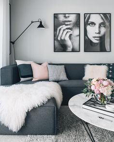 Mix grey with warmer neutrals. Create a relaxing living room with a tightly cont… - Decoration Living Room Green, Home Living Room, Living Room Designs, Dark Grey Sofa Living Room Ideas, Living Room Decor Grey Walls, Black White And Grey Living Room, Mauve Living Room, Grey Room, Chic Living Room