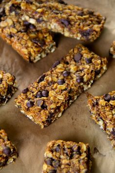 Soft and Chewy Pumpkin Granola Bars- loaded with oats, pumpkin, chocolate & spices!