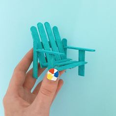 DIY in the Forest: Popsicle Stick Beach Chair