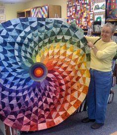 Round quilt #quilt (seen by @Reneeoea )