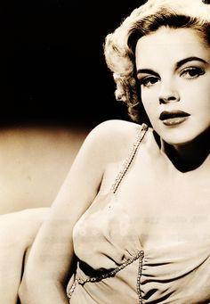 Judy Garland-What a beauty!