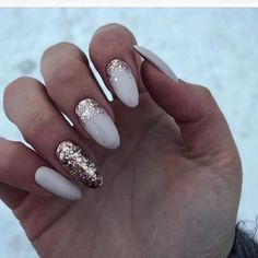 Milky nails with golden glitter, perfect for winter Ivory Nails, Gold Nails, White Nails With Gold, White Gold, Sparkle Nails, Glitter Nails, Gold Glitter, Milky Nails, Nagellack Design