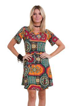 1f6d568fd O vestido estampado com mandalas da Manola é confeccionado em malha  viscolycra. Esse vestido
