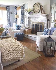 Fall Living Room, Coastal Living Rooms, Home And Living, Living Room Decor, Small Living, Cottage Living, Interior Modern, Interior Design, Stylish Interior