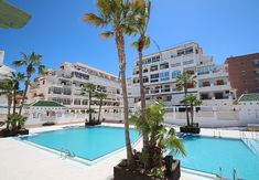Eldorado Apartment La Mata — 🇬🇧 What awaits our adults at Eldorado Apartment La. Torrevieja, Be With You Movie, Luxury Apartments, Dream Vacations, Swimming Pools, Presentation, Mansions, House Styles, Beach