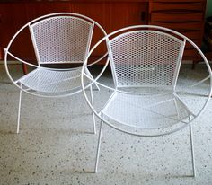 Mid Century Modern Pair of Salterini Large Lounge Hoop Patio Chairs