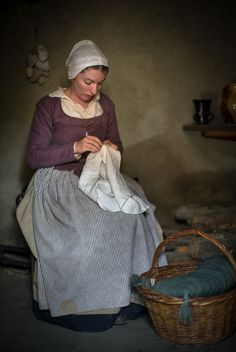 Century Village at Plimoth Plantation - Plymouth, Massachusetts 17th Century Clothing, 17th Century Fashion, 18th Century, Historical Costume, Historical Clothing, Pilgrim Fathers, Colonial America, Classic Paintings, Outfits