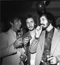 Keith Moon, John Entwistle & Peter Townshend, The Houston Oaks Hotel, Houston, TX 1976