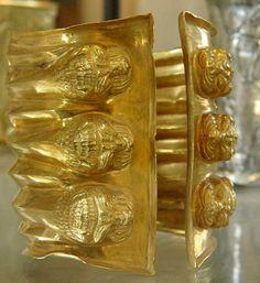 Bracelet en or orné de 6 lions - XIV-XIIème siècle avant JC en provenance de Marlik - Le Louvre Paris