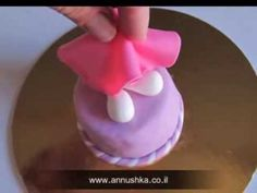 How to do Hello Kitty - fondant step-by-step tutorial - YouTube                                                                                                                                                      More