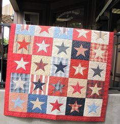 Love patriotic Summertime stars! Kits available @ www.hollyhillquiltshoppe.com