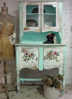 The Painted Cottage hutch