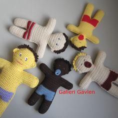 http://gallerigavlen.dk/Shop/opskrifter/haekle/opskrift-haeklet-dukke-med-sut.aspx