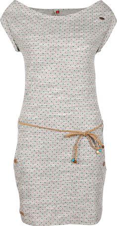 Ein Traum für Mädels, die auf Punkte stehen, erfüllt sich bei dem Ragwear Tag Dots Kleid. Der grau-melierte Stoff wird nämlich mit grünen und pinkfarbenen Pünktchen gepimpt und das steht ihm außerordentlich gut!Für einen besonderen Look sorgt auch der geflochtene Gürtel, an dessen Enden bunte Perlen baumeln. So können die Girls regulieren, wie viel Hüfte sie zeigen wollen. Der weite Rundhals-Ausschnitt hebt ebenso feminine Züge hervor. Eine gute Wahl für einen niedlichen und süßen Look. Wir…