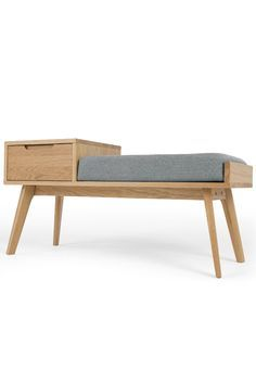 Jenson bench with storage oak. Clean lines, subtle curves, boomerang-shaped legs and a light gray seat make this bench a real eye-catcher in the hallway or in an unloved corner. Small Hallway Table, Hallway Table Decor, Small Hallways, Entryway Decor, Diy Bench Seat, Bench With Storage, Chill Lounge, Home Furniture, Furniture Design