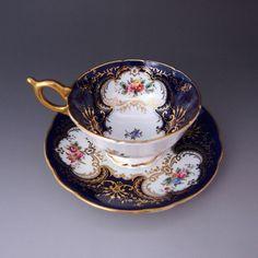 コールポート クラッシック 『フローラル』 1891-1919年製、素晴らしいコンディションのカップ&ソーサーです。 ↓ http://eikokuantiques.com/?pid=89211872 #英国アンティークス #コールポート #カップ