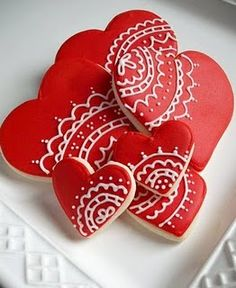 lovely heart cookies Iced Cookies, Cute Cookies, Royal Icing Cookies, Cupcake Cookies, Heart Cookies, Cookie Favors, Yummy Cupcakes, Shortbread Cookies, Christmas Cookies
