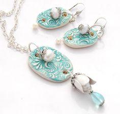 By ShaLayne Evans of ShaLayne Originals.  Ceramic pendant and earrings