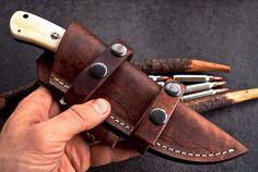 Damascus steel Hunting/skinn knife – KBS Knives Store Damascus Blade, Damascus Steel, Skinning Knife, Folding Pocket Knife, Handmade Knives, Camel, Bones, Hunting Knives, Leather