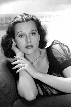Dear Hedy what about you thinking? Golden Age Of Hollywood, Vintage Hollywood, Hollywood Glamour, Classic Hollywood, Hedy Lamarr, Gina Lollobrigida, She's A Lady, Old Actress, Classic Beauty