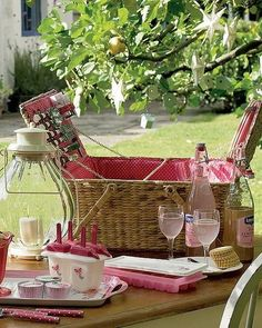 Google Image Result for http://www.thebeautifulengland.com/wp-content/uploads/2012/07/Country-cottage-decor-2.jpg