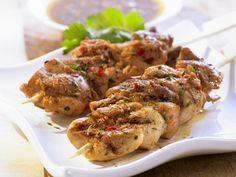 Marinierte Hähnchenspieße ist ein Rezept mit frischen Zutaten aus der Kategorie Hähnchen. Probieren Sie dieses und weitere Rezepte von EAT SMARTER!