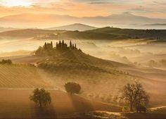 Nascer do sol dourado, Toscana, Itália