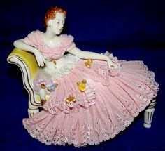 Fritze Ackermann,   Dresden Porcelain (Germany) —    Pink  Lace Lady on Yellow Settee  (800x732)