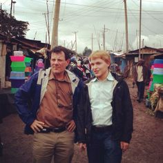 With @Nicholas Kristof in Kibera - Africa's largest urban slum. pic.twitter.com/FdjsGEVlFr
